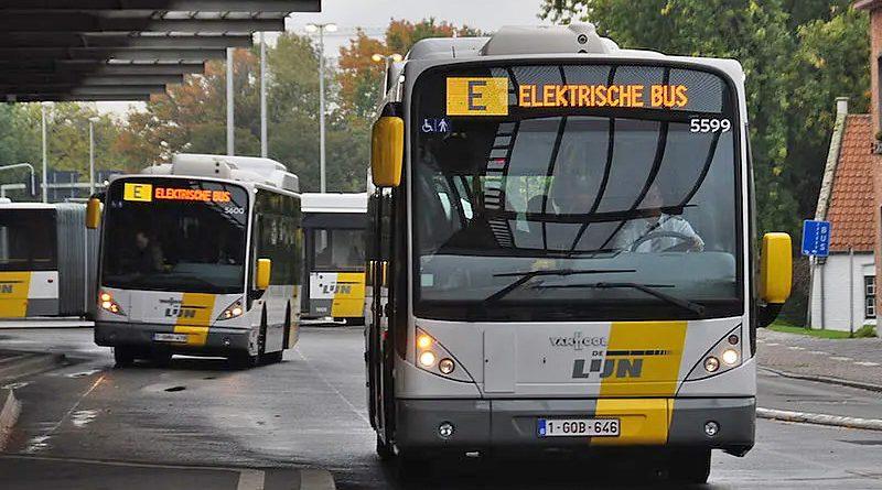 De Lijn bus